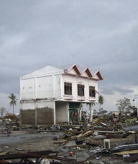 1024px-Street_in_downtown_Banda_Aceh_after_2004_tsunami_DD-SD-06-07372