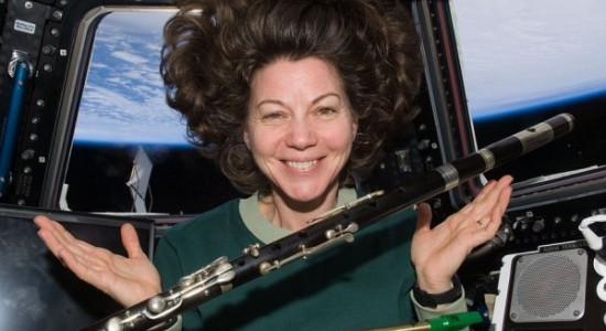 1024px-Catherine_Coleman_with_flutes_floating_in_space