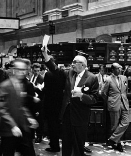 640px-NY_stock_exchange_traders_floor_LC-U9-10548-6