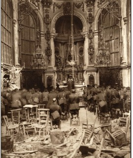 A_Thanksgiving_Service_Attended_by_Canadian_Troops_Being_Held_in_the_Cambrai_Cathedral